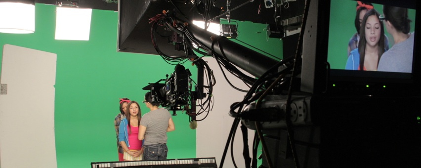 Behind the scenes video production green screen